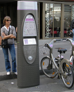 Electric Hire Cars Become Competition for Velib