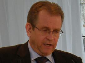 Neuberger ISO / TC 149的新任主席