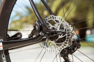 Disc brakes; the ones from Campagnolo are not yet available. - Photo Menno Grootjans