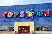 "Toys""R""Us to Close 735 US Stores"